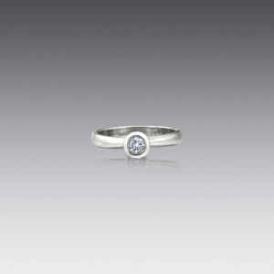 Metro Round Diamond Ring