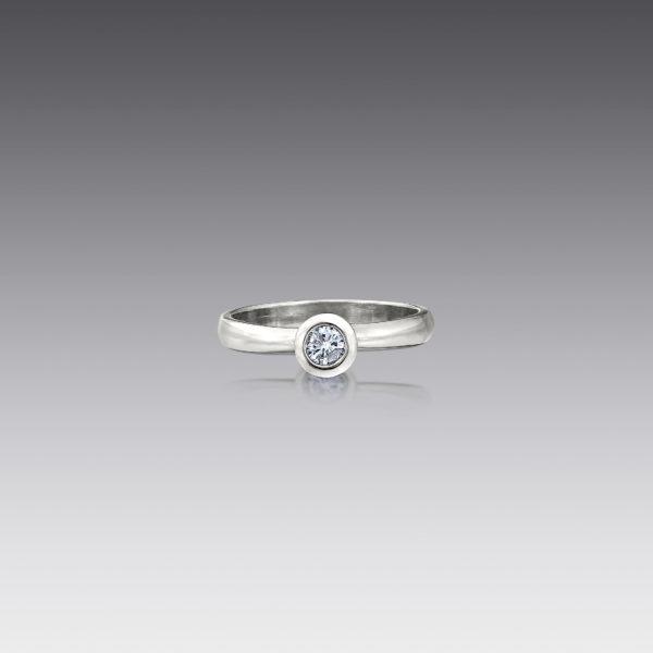 Metro Round Diamond Ring